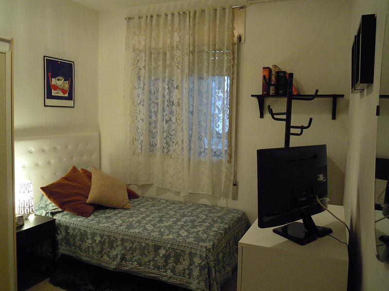 Dormitorio - Piso a compartir en calle Calabria, Eixample esquerra en Barcelona - 154574110