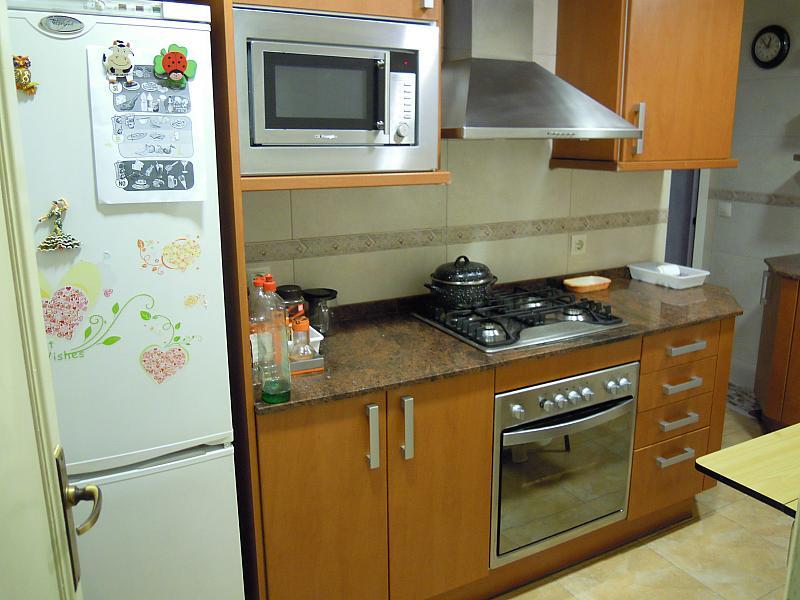 Cocina - Piso a compartir en calle Calabria, Eixample esquerra en Barcelona - 154574458