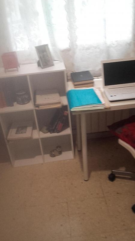 Dormitorio - Piso a compartir en calle Calabria, Eixample esquerra en Barcelona - 311246913