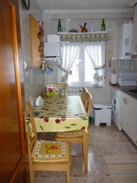 Cocina - Piso a compartir en calle Maximiliano Arboleya, Vallobin-La Florida-Las Campas en Oviedo - 119059280