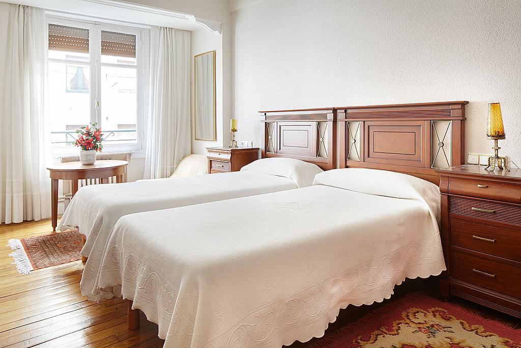 Dormitorio - Piso a compartir en calle San Juan, Eibar - 323052454