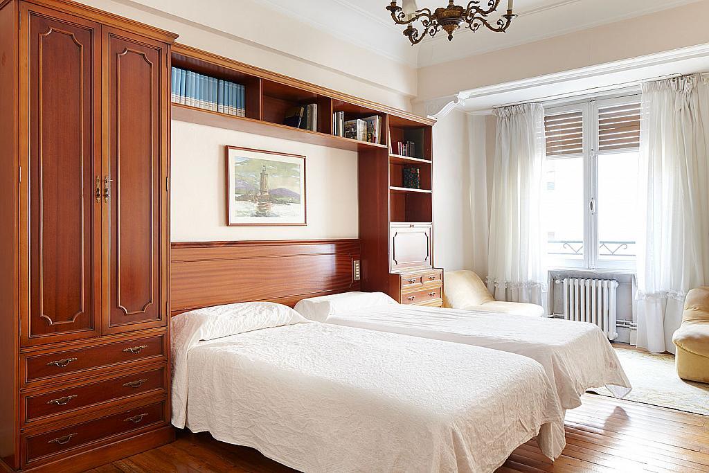 Dormitorio - Piso a compartir en calle San Juan, Eibar - 323052457