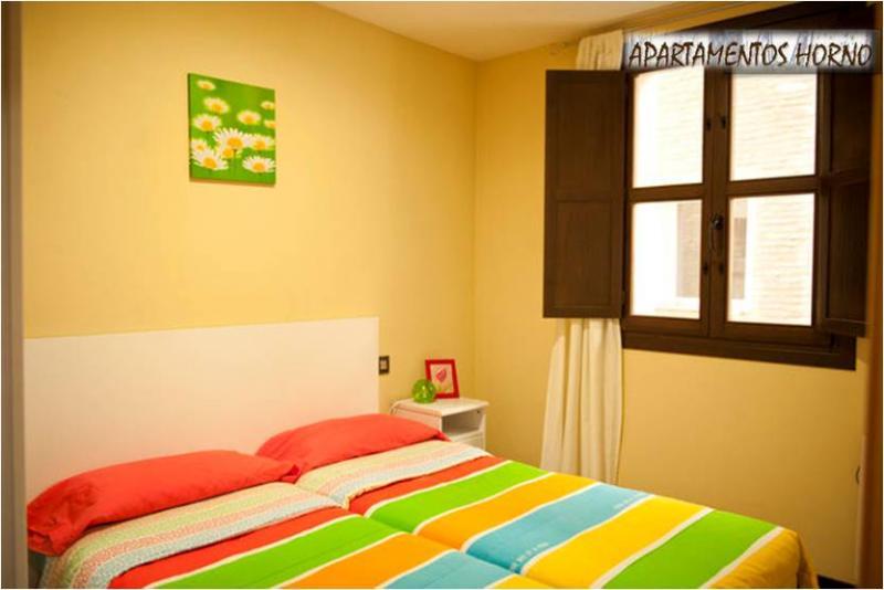 dormitorio-apartamento-en-alquiler-en-horno-arrabal-en-zaragoza-120056820