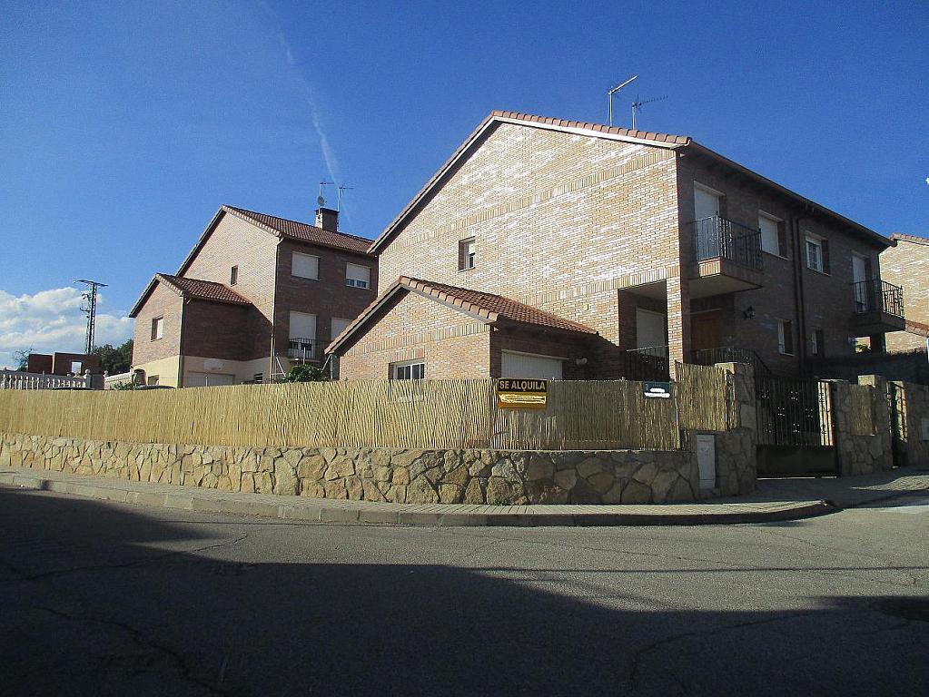 Detalles - Casa pareada en alquiler en calle Valdemorillo, Valdemorillo - 301375491