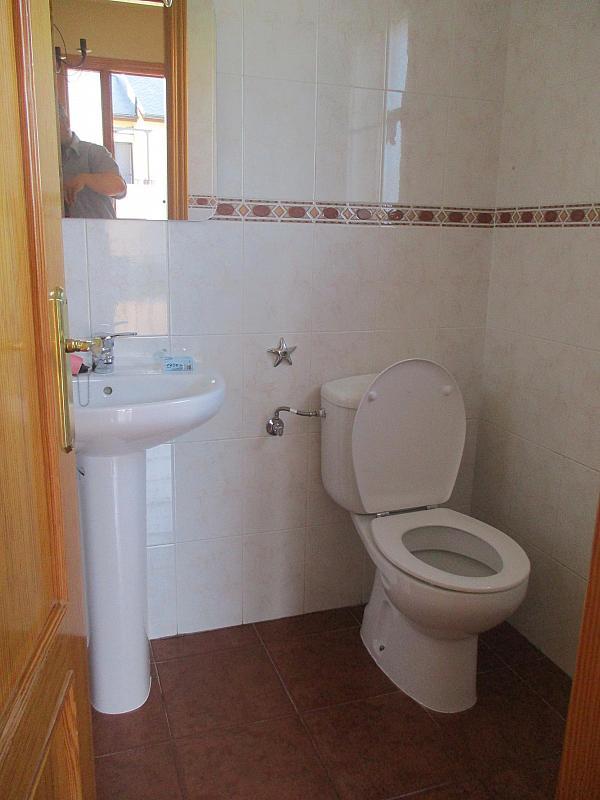 Baño - Casa pareada en alquiler en calle Valdemorillo, Valdemorillo - 301375520