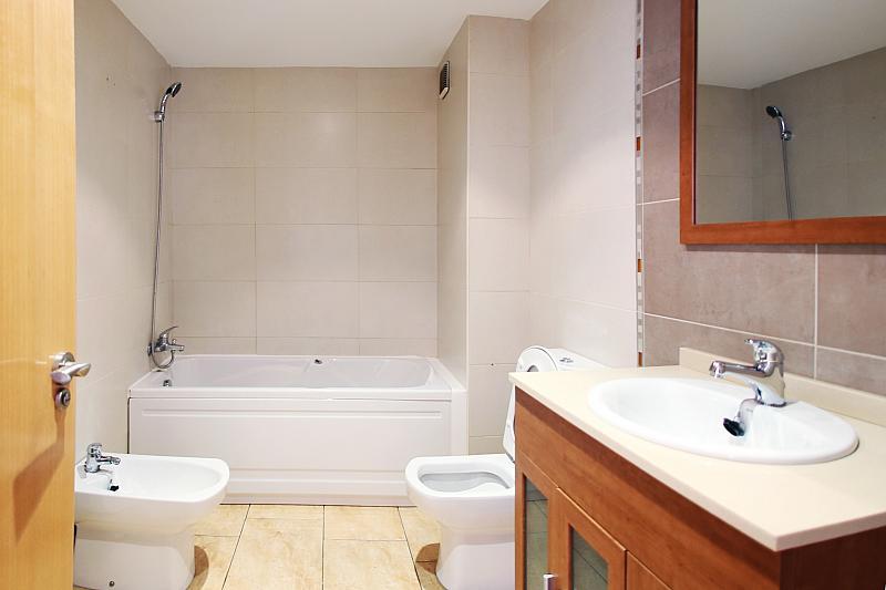 Baño - Piso en alquiler en calle Devesa, Alcarràs - 211935253