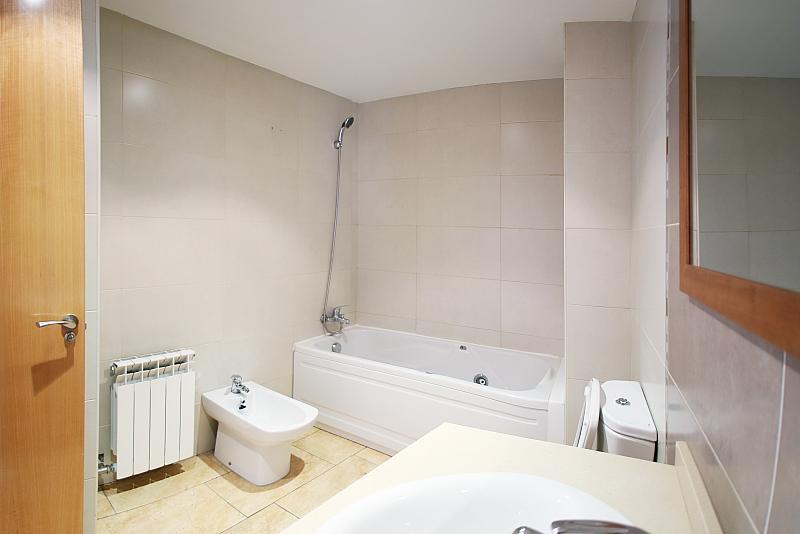 Baño - Piso en alquiler en calle Devesa, Alcarràs - 211935316