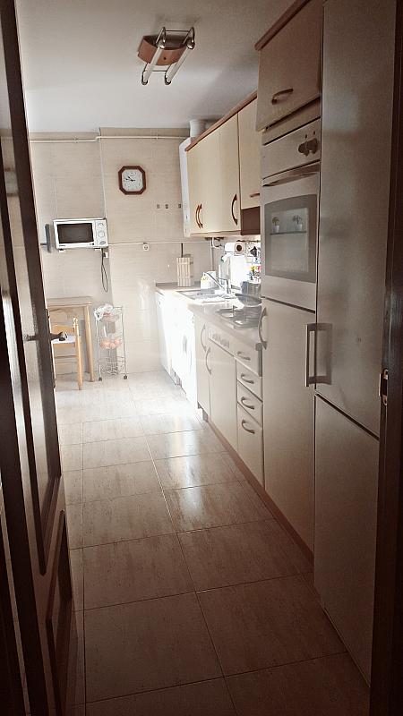 Cocina - Piso a compartir en calle De la Rioja, Zona Universidad en Villanueva de la Cañada - 323966472