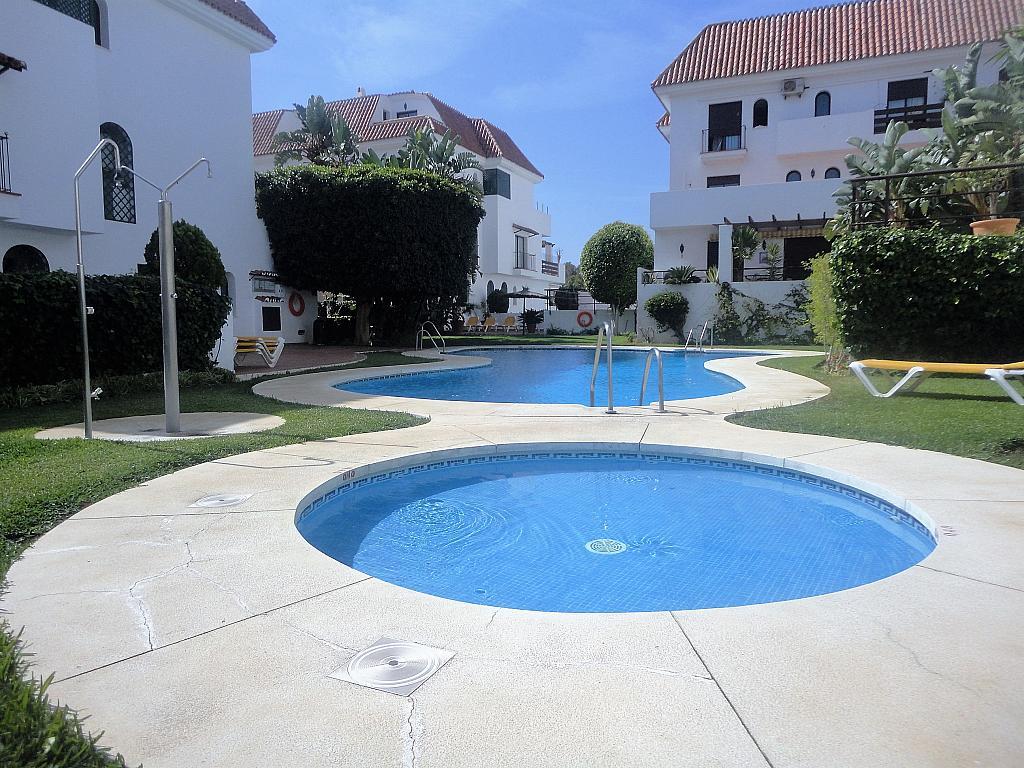 Piscina - Apartamento en alquiler en calle Sierra Bermeja, Urbanizaciones en Marbella - 330777556