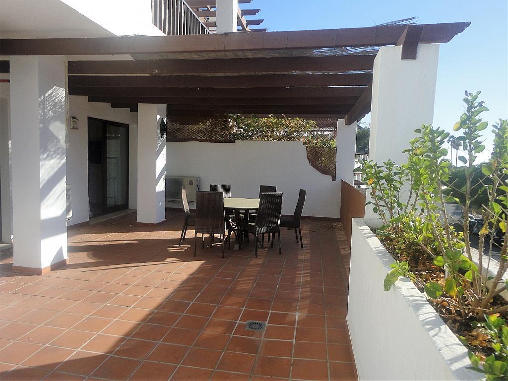 Terraza - Apartamento en alquiler en calle Sierra Bermeja, Urbanizaciones en Marbella - 330777682