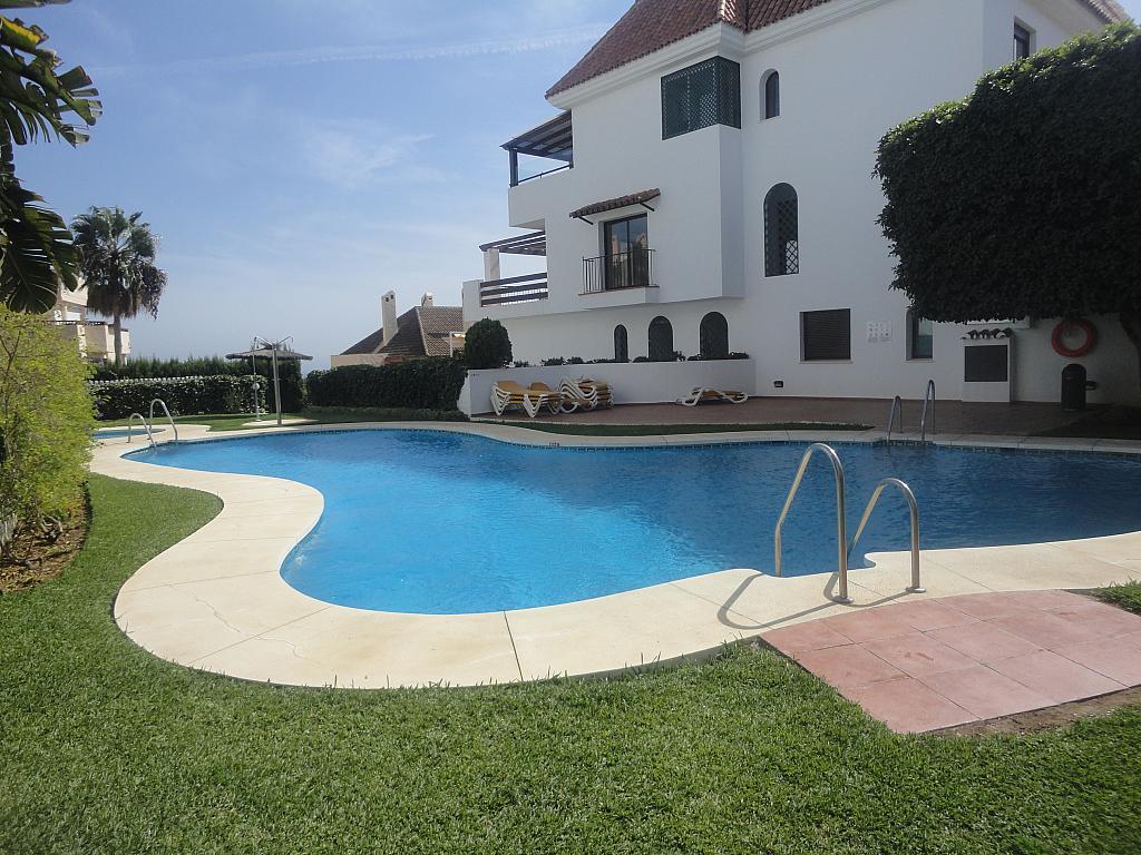 Piscina - Apartamento en alquiler en calle Sierra Bermeja, Urbanizaciones en Marbella - 330777773