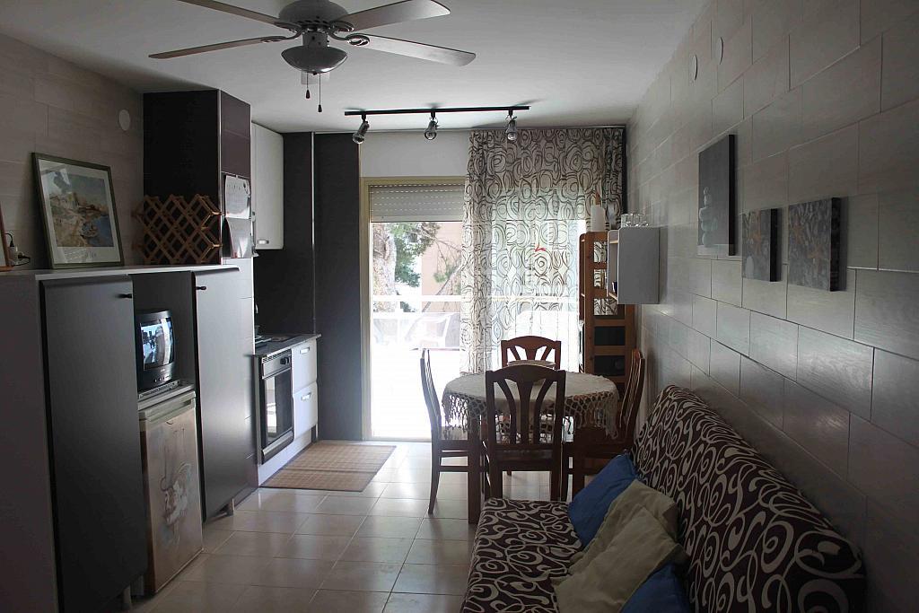 Comedor - Estudio en alquiler en calle Carles Buigas, Capellans o acantilados en Salou - 329909513