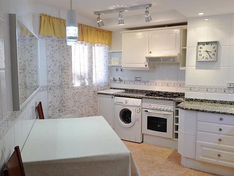 Cocina - Apartamento en venta en plaza España, Santa Susanna - 318051742
