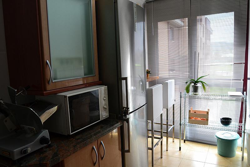 Cocina - Piso a compartir en calle Pintora Concha Mori, Contrueces-Montevil-Roces en Gijón - 269834416