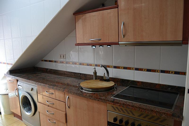 Cocina - Piso a compartir en calle Pintora Concha Mori, Contrueces-Montevil-Roces en Gijón - 269834418