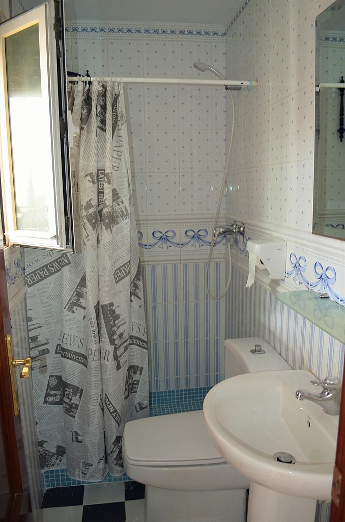 Baño - Casa adosada en alquiler en calle Pablo Neruda, El Lugar en Chiclana de la Frontera - 271894936