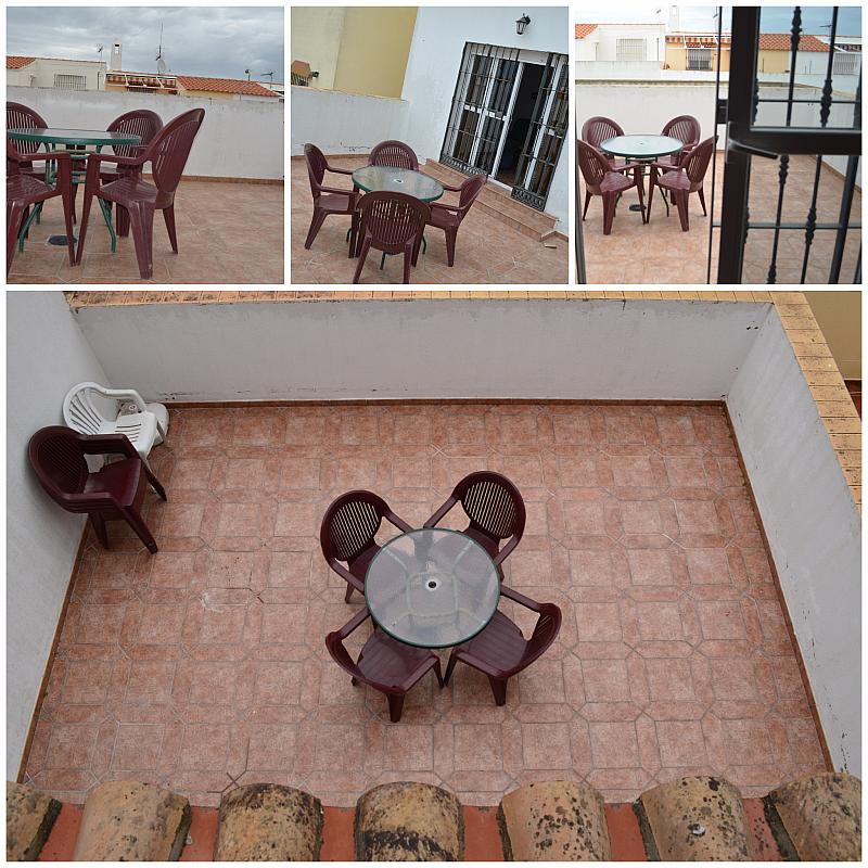 Terraza - Casa adosada en alquiler en calle Pablo Neruda, El Lugar en Chiclana de la Frontera - 271894944