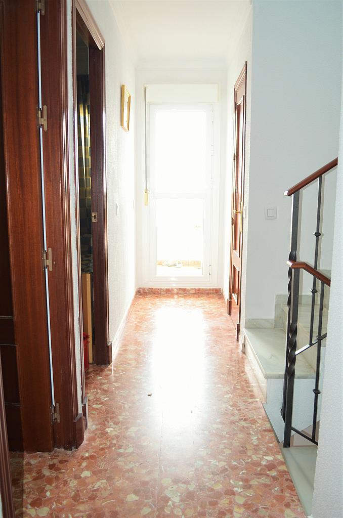 Vestíbulo - Casa adosada en alquiler en calle Pablo Neruda, El Lugar en Chiclana de la Frontera - 271894955