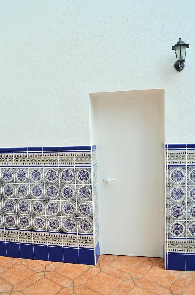 Garaje - Casa adosada en alquiler en calle Pablo Neruda, El Lugar en Chiclana de la Frontera - 271894960