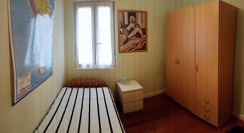 Dormitorio - Piso a compartir en calle Juan Xxiii, Barrio la Inmobiliaria en Torrelavega - 324624692