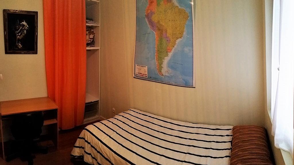 Dormitorio - Piso a compartir en calle Juan Xxiii, Barrio la Inmobiliaria en Torrelavega - 324624695
