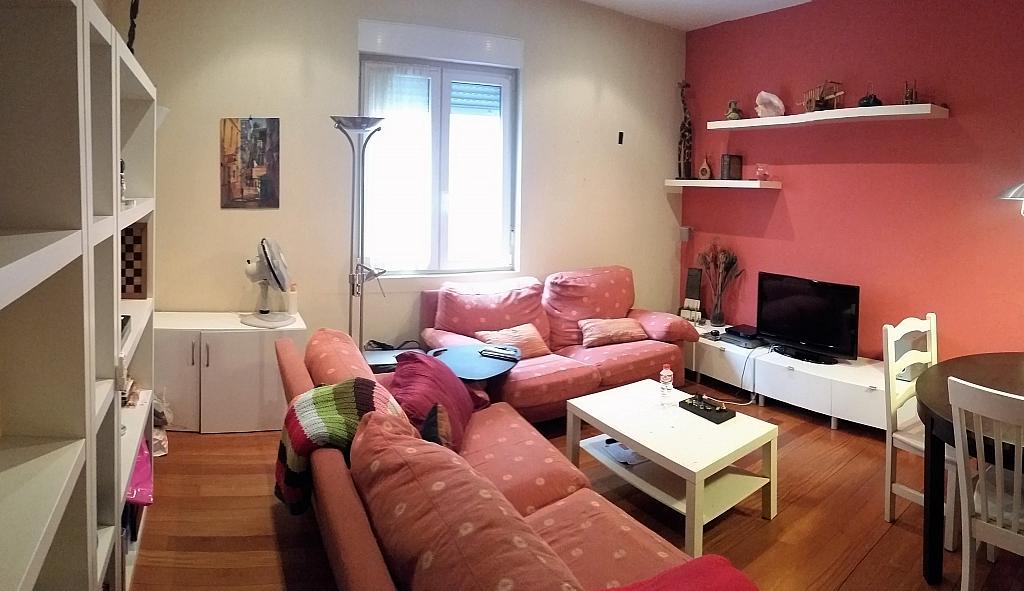 Salón - Piso a compartir en calle Juan Xxiii, Barrio la Inmobiliaria en Torrelavega - 324624711