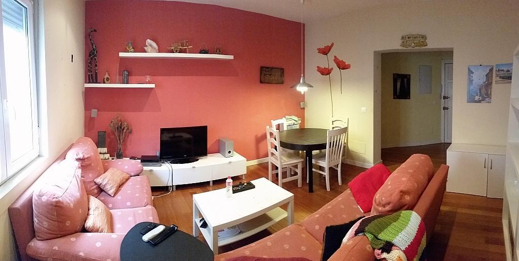 Salón - Piso a compartir en calle Juan Xxiii, Barrio la Inmobiliaria en Torrelavega - 324624714