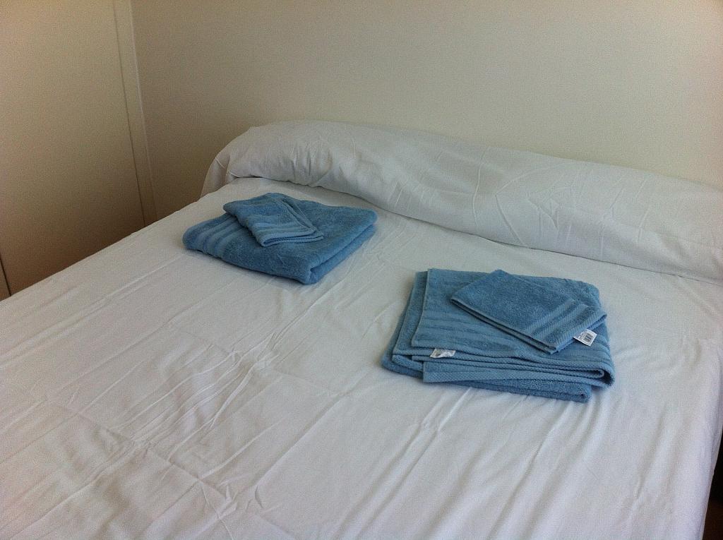 Dormitorio - Apartamento en alquiler en pasaje Taulat, Diagonal Mar en Barcelona - 324833865