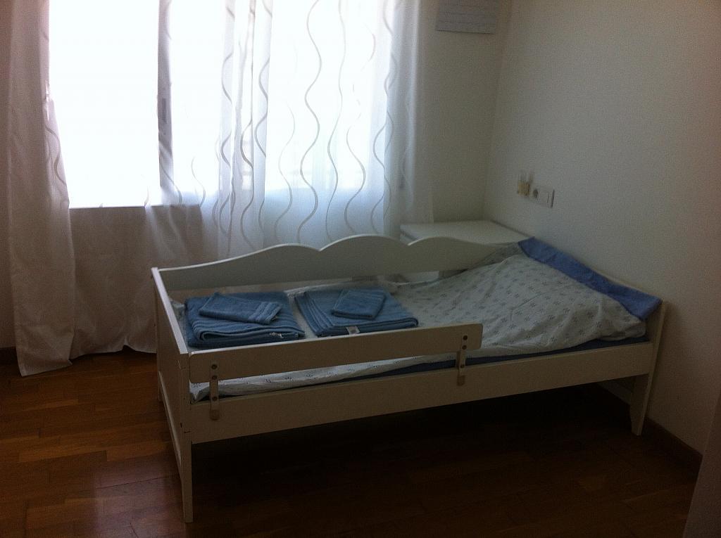 Dormitorio - Apartamento en alquiler en pasaje Taulat, Diagonal Mar en Barcelona - 324833877
