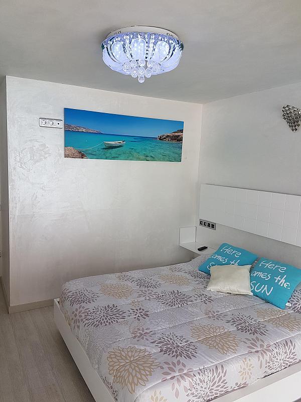 Dormitorio - Apartamento en alquiler de temporada en calle Passeo Maritimo, Miami platja - Miami playa - 295692546