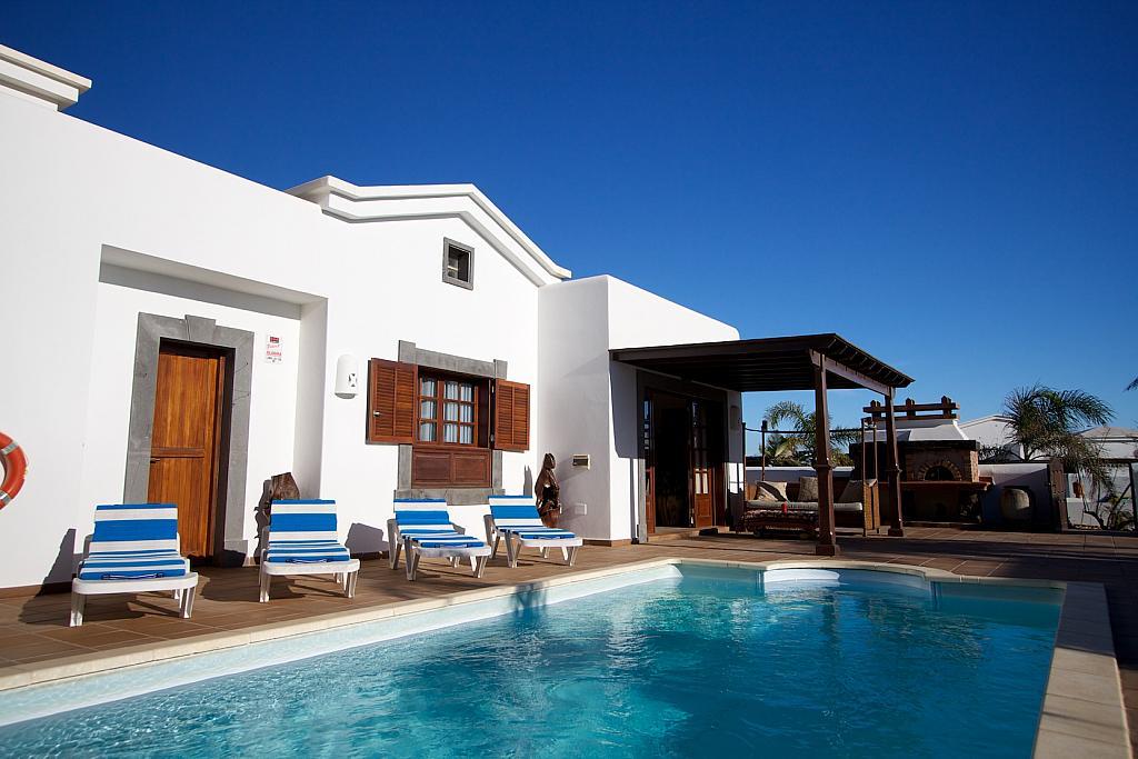 Piscina - Villa en alquiler en calle Islandia, Playa Blanca (Yaiza) - 317591484