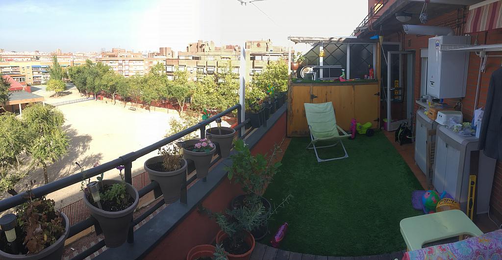 Terraza - Ático en alquiler en calle Viñegra, Los Cármenes en Madrid - 354201038