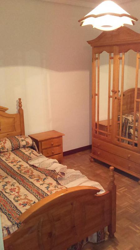 Dormitorio - Piso a compartir en calle Doce de Octubre, Rondilla-Pilarica-Vadillos-Bº España-Santa Clara en Valladolid - 313881380