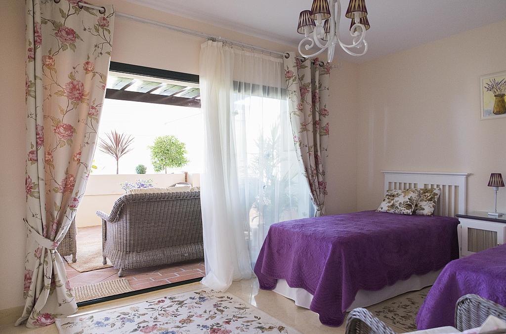 Dormitorio - Apartamento en alquiler en urbanización Capanes del Golf, Benahavís - 314207794