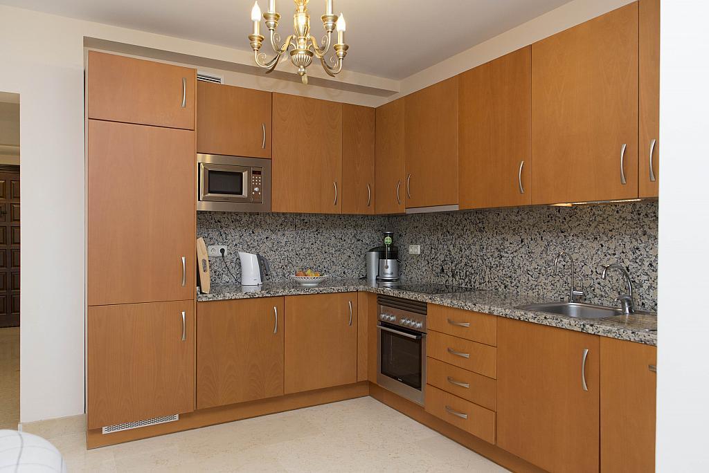 Cocina - Apartamento en alquiler en urbanización Capanes del Golf, Benahavís - 314208040