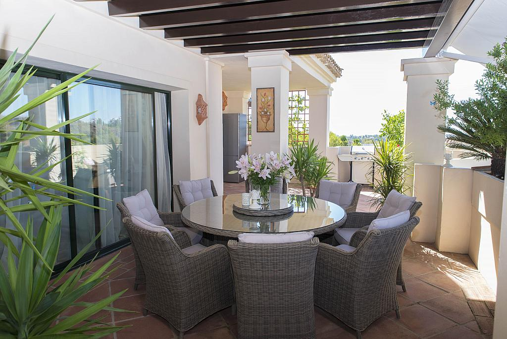 Terraza - Apartamento en alquiler en urbanización Capanes del Golf, Benahavís - 314208045