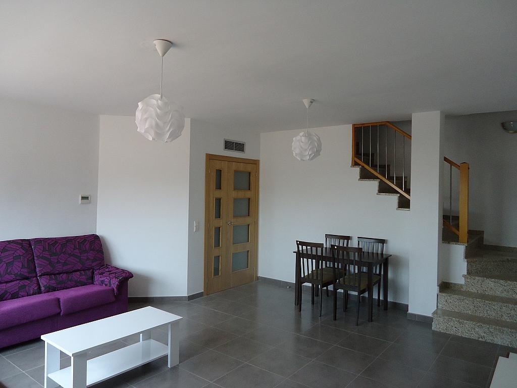 Salón - Casa adosada en alquiler opción compra en calle Pablo Serrano, Luceni - 316356654