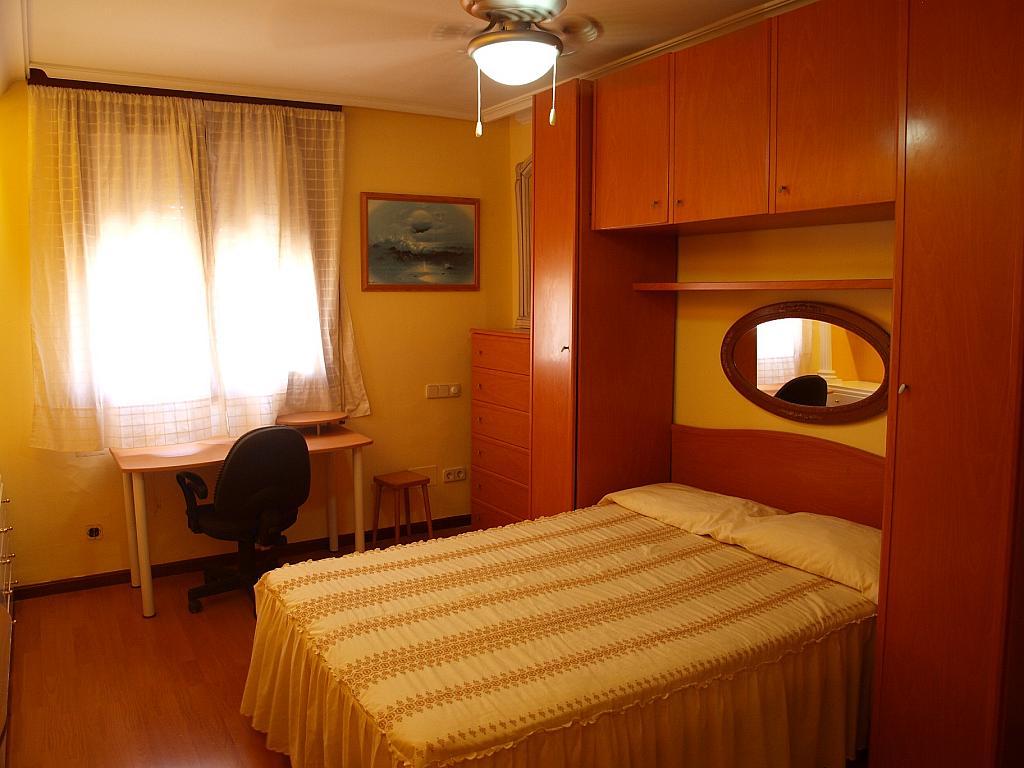 Dormitorio - Piso a compartir en calle San Valeriano, Bellas Vistas en Madrid - 318497037