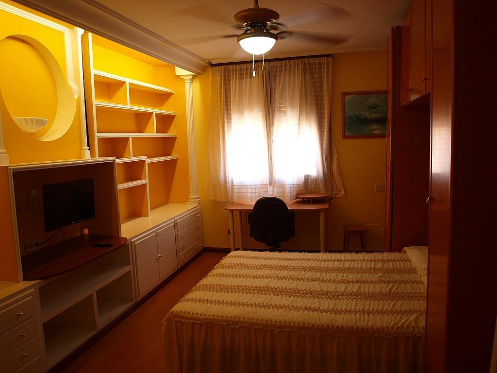 Dormitorio - Piso a compartir en calle San Valeriano, Bellas Vistas en Madrid - 318497039