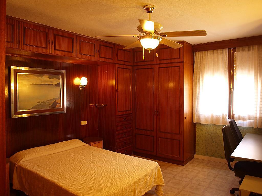Dormitorio - Piso a compartir en calle San Valeriano, Bellas Vistas en Madrid - 318497056