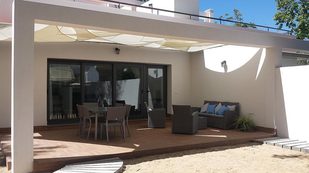 Porche - Casa adosada en alquiler en calle Gaviota, Punta Umbría - 320265457