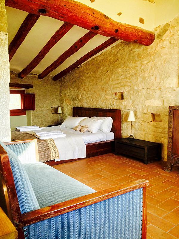 Dormitorio - Casa en alquiler de temporada en calle Eixida, Vallbona de les Monges - 320709325