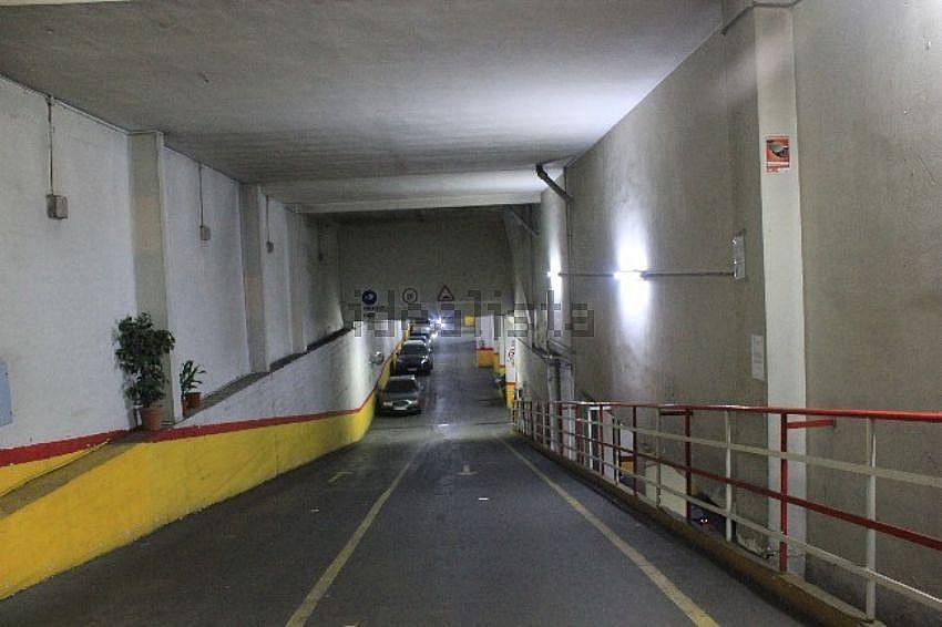 Garaje - Garaje en alquiler en calle Ciudad de Barcelona, Adelfas en Madrid - 324872197