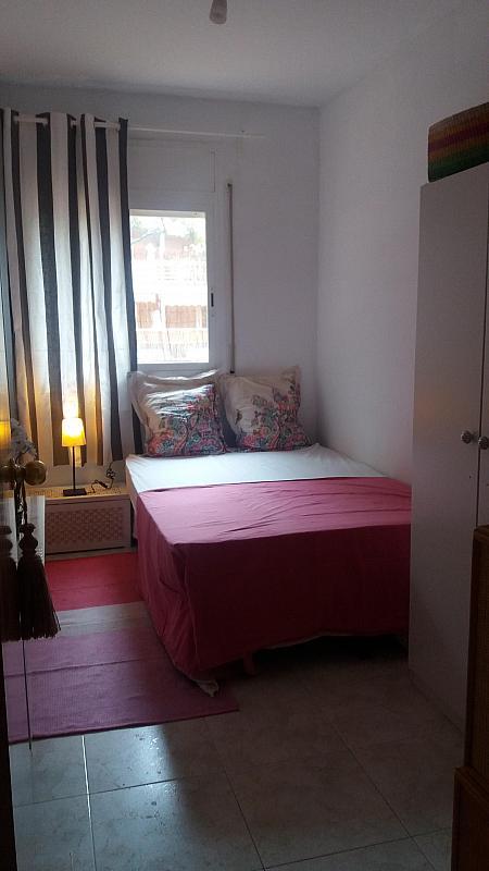 Dormitorio - Piso a compartir en calle Siete, Playafels en Castelldefels - 330777970