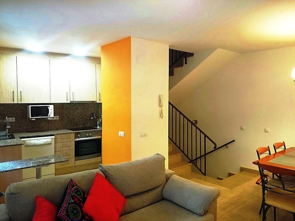 Salón - Casa adosada en alquiler en calle Nou, Falset - 330426891