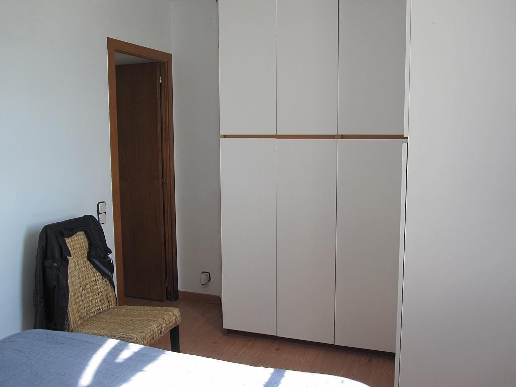 Dormitorio - Chalet en alquiler en plaza Pau Vila, Finestrelles en Esplugues de Llobregat - 332028957