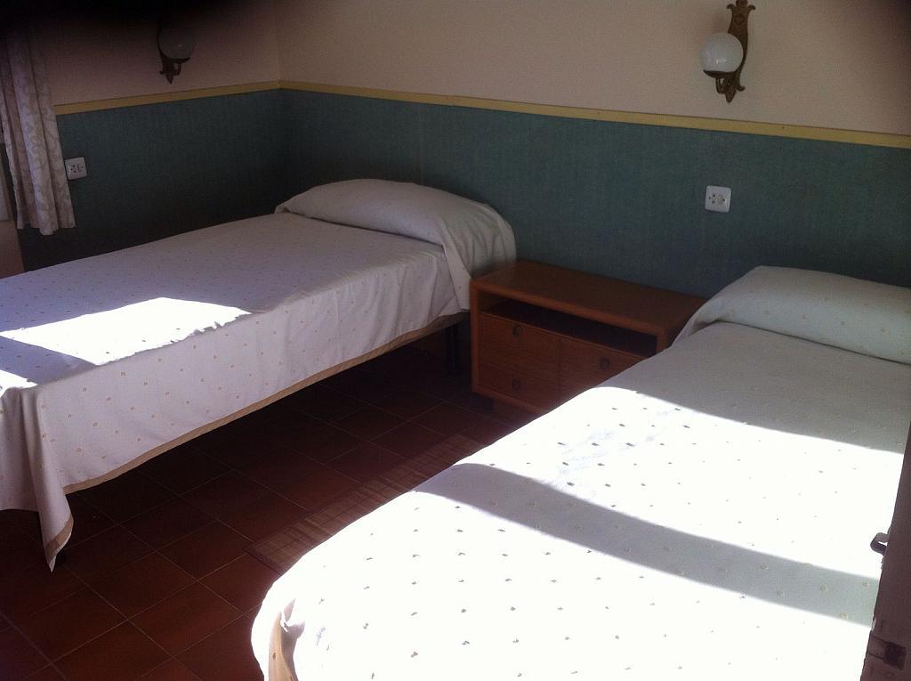 Dormitorio - Apartamento en alquiler en calle San Fructuoso, El francás en Coma-Ruga - 334781043