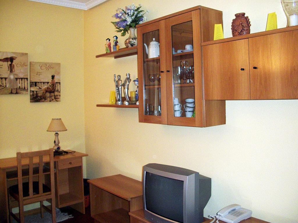 Salón - Apartamento en alquiler en calle Marqués de Benavites, Centro en Ávila - 321256299