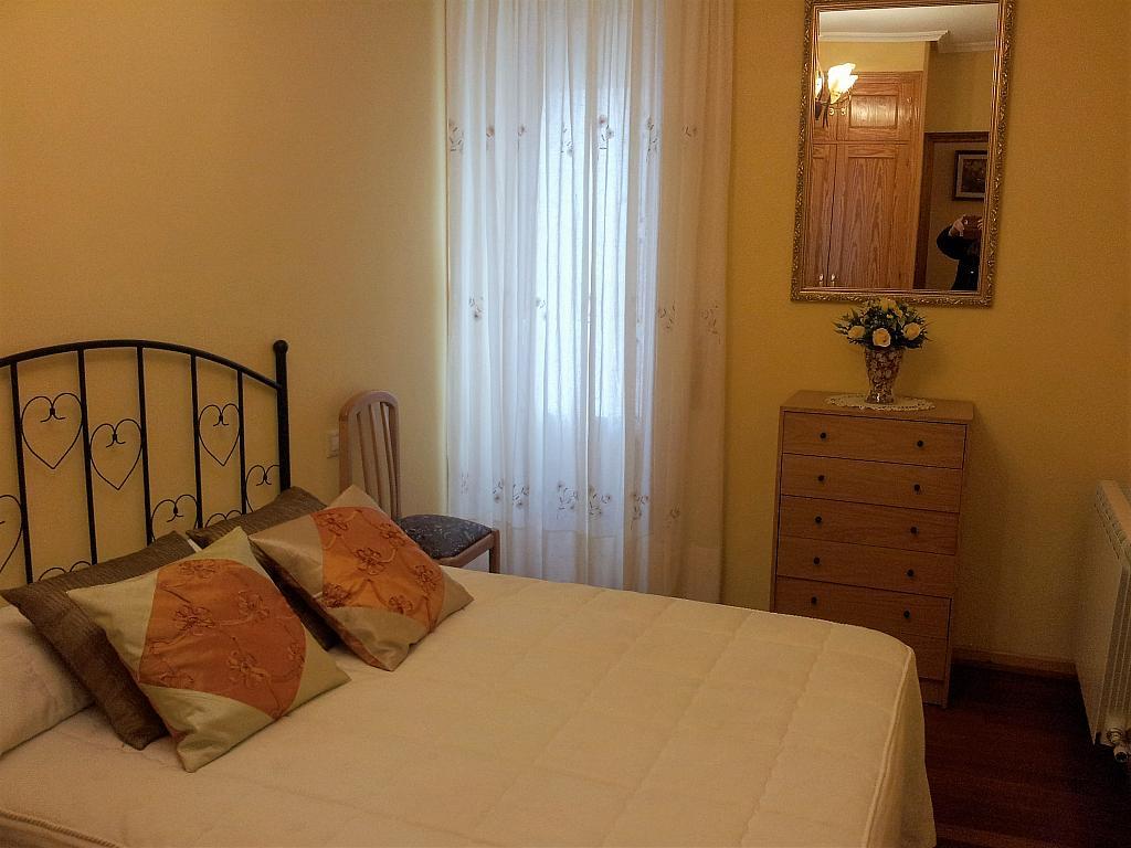 Dormitorio - Apartamento en alquiler en calle Marqués de Benavites, Centro en Ávila - 338883325