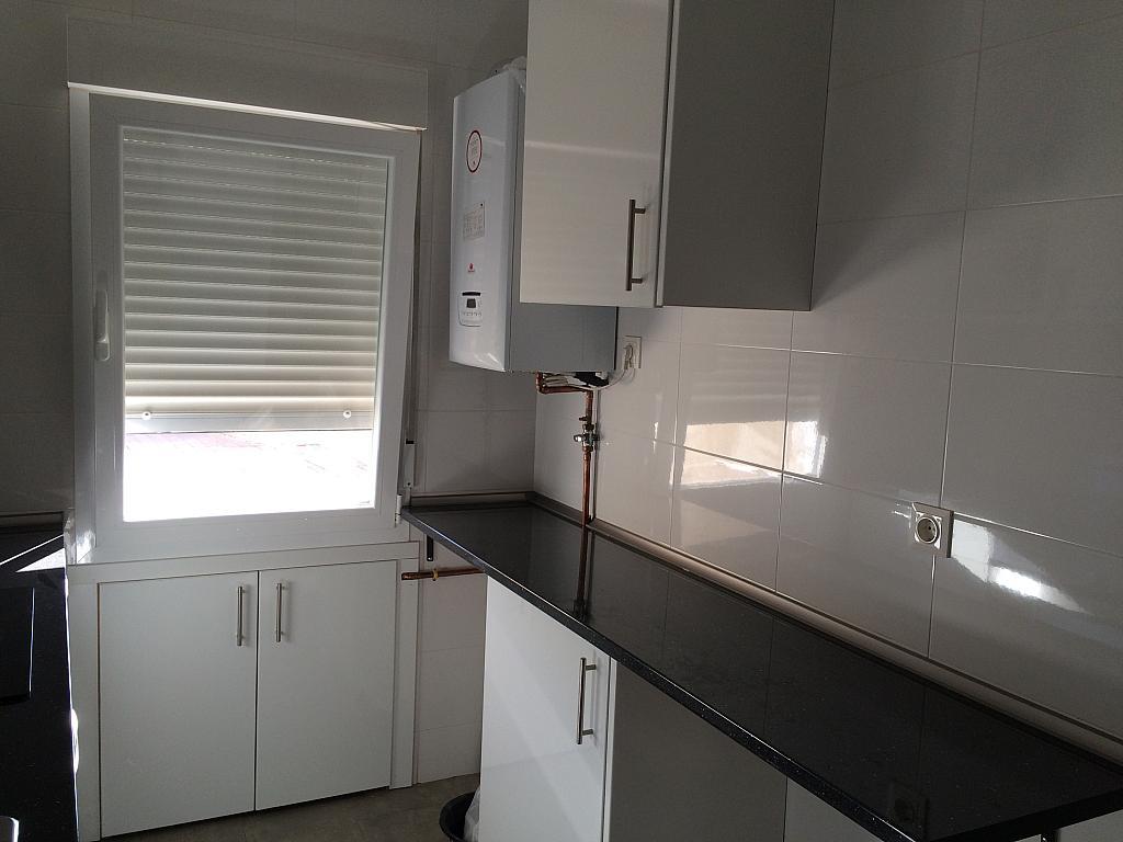 Cocina - Piso en alquiler en calle Pedro de Fuentidueña, Zona Centro-Barrio Amurallado en Segovia - 327366831